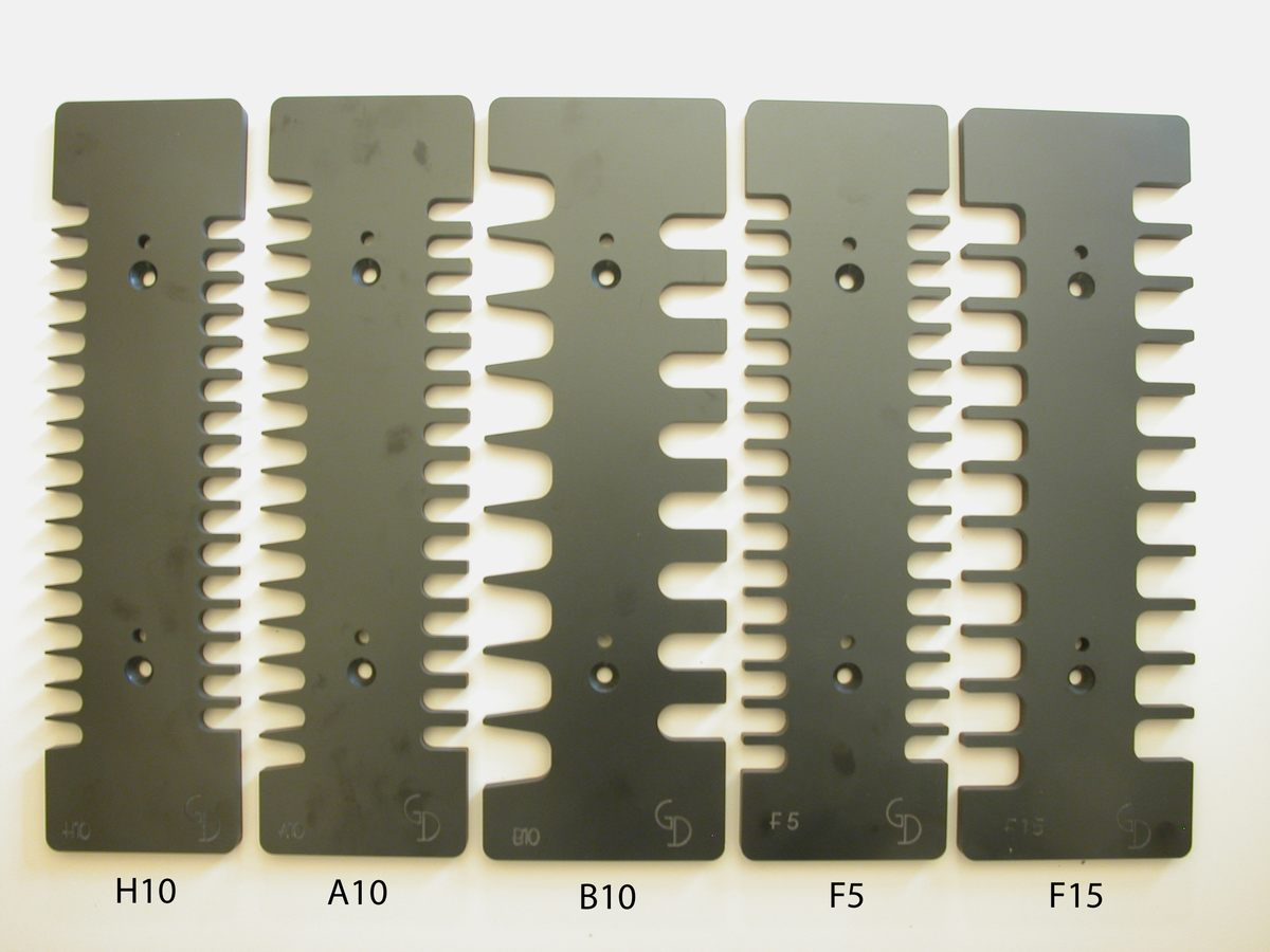 Dovetail jig standard pack has all dovetail and finger joint templates!